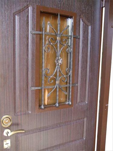 кованая вставка на входные двери
